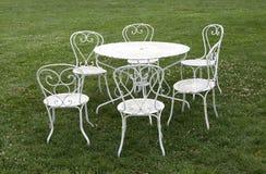 Πίνακας και καρέκλες Στοκ Εικόνες