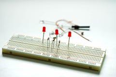 Πίνακας κυκλωμάτων και εξοπλισμός ολοκληρωμένου κυκλώματος που χρησιμοποιούν για ηλεκτρικό και το υλικό Στοκ φωτογραφία με δικαίωμα ελεύθερης χρήσης