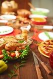 Πίνακας οικογενειακών γευμάτων Στοκ φωτογραφία με δικαίωμα ελεύθερης χρήσης