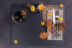 Πίνακας που θέτει με τη διακόσμηση φθινοπώρου για την ημέρα των ευχαριστιών Στοκ Εικόνα