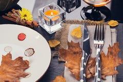 Πίνακας που θέτει με τη διακόσμηση φθινοπώρου για την ημέρα των ευχαριστιών Στοκ εικόνες με δικαίωμα ελεύθερης χρήσης