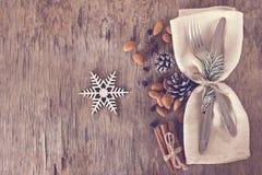 Πίνακας που τίθεται με έναν χειμώνα, διακόσμηση Χριστουγέννων Στοκ φωτογραφία με δικαίωμα ελεύθερης χρήσης