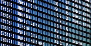 Πίνακας πληροφοριών πτήσεων στον αερολιμένα Στοκ Φωτογραφία