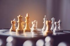 Πίνακας σκακιού - μια ανταγωνιστική επιχειρησιακή ιδέα να πετύχει Στοκ Εικόνα