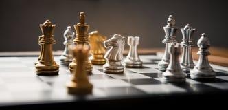 Πίνακας σκακιού - μια ανταγωνιστική επιχειρησιακή ιδέα να πετύχει Στοκ Εικόνες