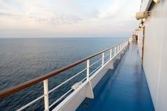Πίνακας σκαφών στο Μαϊάμι, ΗΠΑ στην μπλε θάλασσα Κατάστρωμα ειδυλλιακό seascape Ταξίδι νερού, ταξίδι, ταξίδι Θερινές διακοπές, wa στοκ φωτογραφίες με δικαίωμα ελεύθερης χρήσης