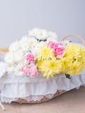 Πίνακας της ρύθμισης διακοσμήσεων λουλουδιών Στοκ εικόνες με δικαίωμα ελεύθερης χρήσης