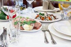 πίνακας τροφίμων γευμάτων νόστιμος Στοκ Φωτογραφίες
