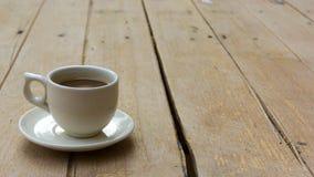 πίνακας φλυτζανιών καφέ ξύλ& Στοκ Φωτογραφίες