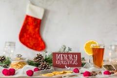 Πίνακας Χριστουγέννων και γυναικεία κάλτσα Χριστουγέννων Στοκ φωτογραφίες με δικαίωμα ελεύθερης χρήσης