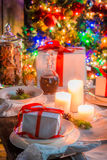 Πίνακας Χριστουγέννων που θέτει για τη Παραμονή Χριστουγέννων Στοκ φωτογραφία με δικαίωμα ελεύθερης χρήσης