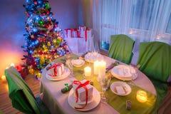 Πίνακας Χριστουγέννων που θέτει για τη Παραμονή Χριστουγέννων Στοκ φωτογραφίες με δικαίωμα ελεύθερης χρήσης