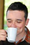 πίνοντας άτομο καφέ Στοκ εικόνες με δικαίωμα ελεύθερης χρήσης