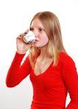 πίνοντας έφηβος τσαγιού στοκ εικόνα με δικαίωμα ελεύθερης χρήσης