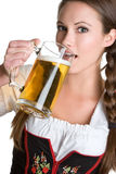 πίνοντας γυναίκα μπύρας Στοκ Εικόνες