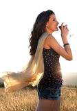 πίνοντας ευτυχές κρασί στοκ φωτογραφία με δικαίωμα ελεύθερης χρήσης