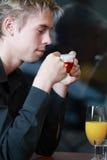 Πίνοντας τσάι στοκ εικόνες με δικαίωμα ελεύθερης χρήσης