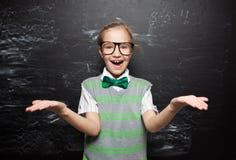 πίσω απομονωμένο σχέδιο σχολείο παιδιών ανασκόπησης στο λευκό Στοκ Φωτογραφίες