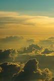 Πίσω από τα σύννεφα στοκ φωτογραφίες