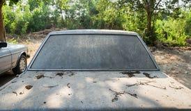 Πίσω βρώμικος λεκές αυτοκινήτων στο πάρκο Στοκ Εικόνες