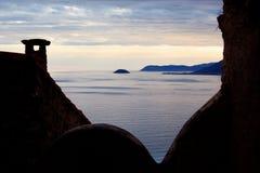 πίσω ελαφριά θάλασσα σπιτ& στοκ εικόνα με δικαίωμα ελεύθερης χρήσης