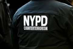 Πίσω ενός ανώτερου υπαλλήλου μονάδων αντιτρομοκρατιών NYPD Στοκ Φωτογραφία
