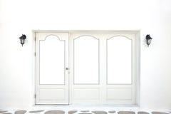πίσω πόρτα άσπρο παράθυρο ύφους πλαισίων ελληνικό Στοκ Εικόνα
