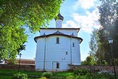Πίσω πλευρά της εκκλησίας Annunciation της ευλογημένης Virgin στο μοναστήρι spaso-Evfimiyevsky στο Σούζνταλ, Ρωσία Στοκ Εικόνα