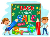 Πίσω στην απεικόνιση σχολικής πώλησης με το σχολικό πίνακα και τα χαριτωμένα παιδιά Στοκ Εικόνα