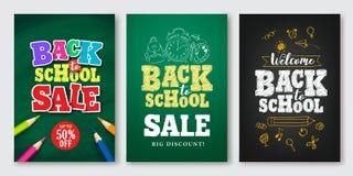 Πίσω στο διανυσματικό σύνολο σχολικής πώλησης αφίσας και εμβλήματος με το ζωηρόχρωμο τίτλο απεικόνιση αποθεμάτων