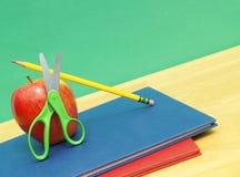 πίσω σχολικές προμήθειε&sig Στοκ φωτογραφία με δικαίωμα ελεύθερης χρήσης