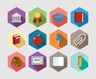 Πίσω σύνολο σχεδίου σχολικών στο επίπεδο εικονιδίων Στοκ εικόνες με δικαίωμα ελεύθερης χρήσης