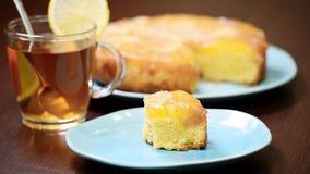 Πίτα ανανά Φάτε την πίτα ανανά απόθεμα βίντεο