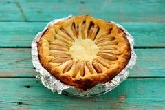 Πίτα θεωρητικών και υποατομικών σωματιδίων με τα μήλα Στοκ Φωτογραφία
