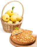 Πίτα και μήλα της Apple Στοκ φωτογραφία με δικαίωμα ελεύθερης χρήσης