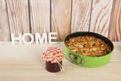 Πίτα και μαρμελάδα της Apple Στοκ Εικόνες