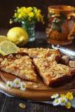 Πίτα και τσάι της Apple με το λεμόνι Στοκ Φωτογραφία