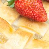 Πίτα και φράουλες της Apple Στοκ Εικόνες