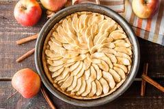 Πίτα μήλων με την κανέλα Στοκ φωτογραφία με δικαίωμα ελεύθερης χρήσης