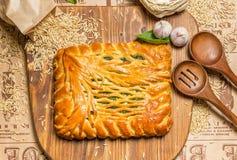 Πίτα με τα κρεμμύδια και τα αυγά Στοκ Εικόνες