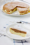 Πίτα με τη ζάχαρη τήξης Στοκ Φωτογραφίες
