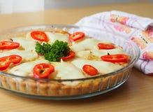 Πίτα με το κόκκινο πιπέρι και το μαϊντανό Στοκ εικόνες με δικαίωμα ελεύθερης χρήσης