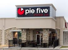 Πίτα πέντε εξωτερικό και λογότυπο εστιατορίων Στοκ Φωτογραφία