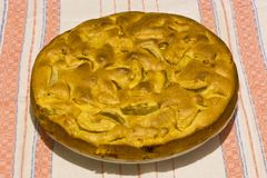 Πίτα Σαρλόττα της Apple σε μια πετσέτα λινού Στοκ Εικόνα