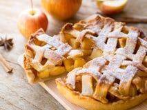 Πίτα της Apple για το γεύμα τσαγιού απογεύματος Στοκ φωτογραφία με δικαίωμα ελεύθερης χρήσης