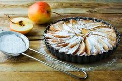 Πίτα της Apple και ζάχαρη τροχίσκων Στοκ φωτογραφίες με δικαίωμα ελεύθερης χρήσης