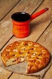 Πίτα της Apple και τουρκικό δοχείο καφέ Στοκ Εικόνες
