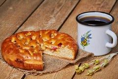 Πίτα της Apple και MAG Στοκ φωτογραφία με δικαίωμα ελεύθερης χρήσης