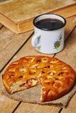 Πίτα της Apple και MAG Στοκ φωτογραφίες με δικαίωμα ελεύθερης χρήσης