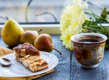 Πίτα της Apple με ένα φλιτζάνι του καφέ, πρόγευμα Στοκ φωτογραφίες με δικαίωμα ελεύθερης χρήσης